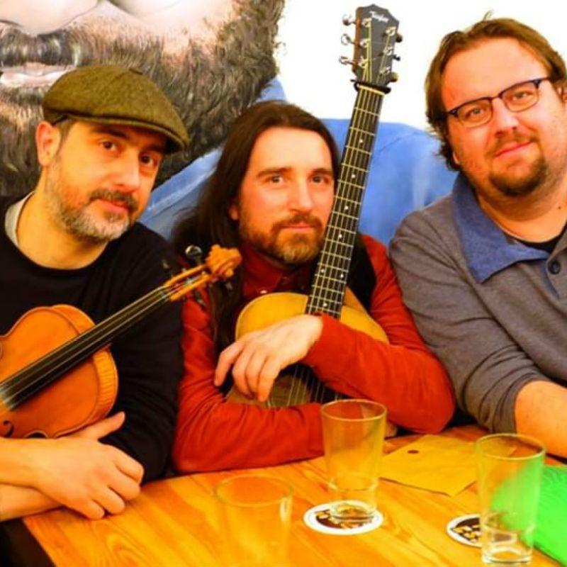 Il Saint Patrick's Day alla Pizzeria Loffredo con la That's All Folk Band