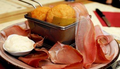 In questi 6 locali di Firenze ho mangiato dei coccoli memorabili (spendendo il giusto)
