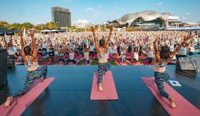 Te lo racconto io lo yoga. Wanderlust 108, ovvero come ho trovato la mia dimensione, divertendomi