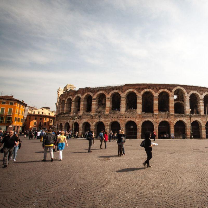L'Arena di Verona torna a risplendere: gli spettacoli dal vivo confermati