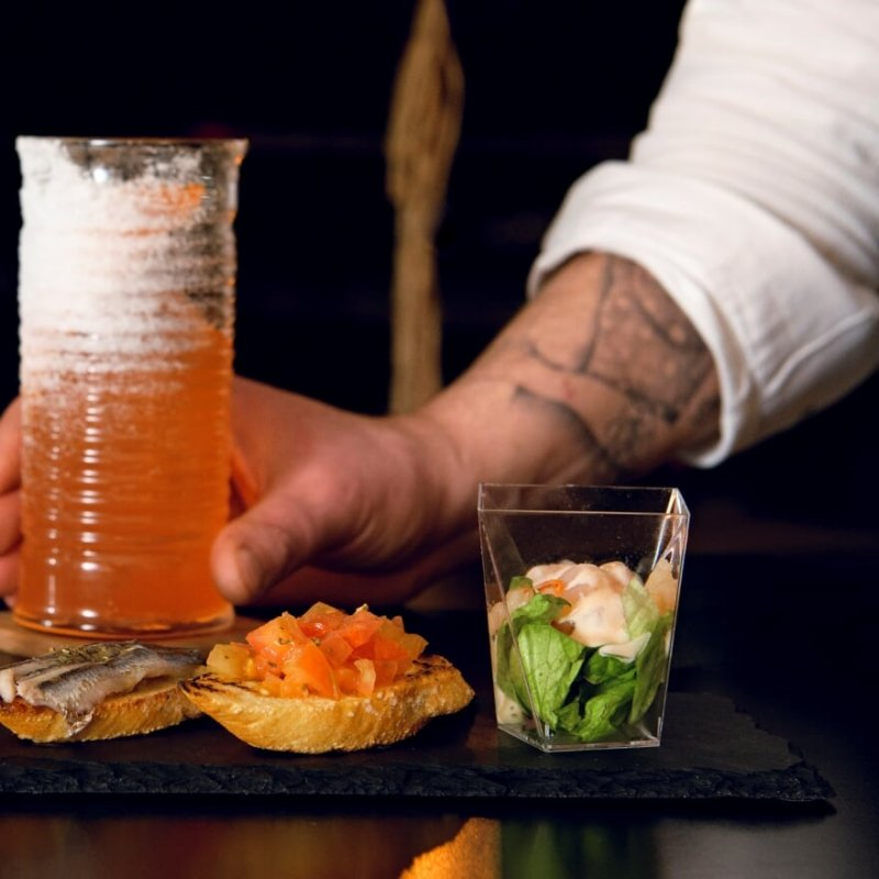 Cibo e cocktail una cosa sola: perchè a Milano si mangia al cocktail bar