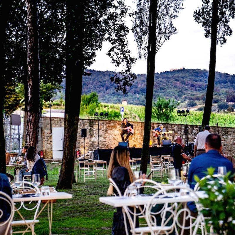 Aperitivo country sulle colline di Firenze per sfuggire al grande caldo