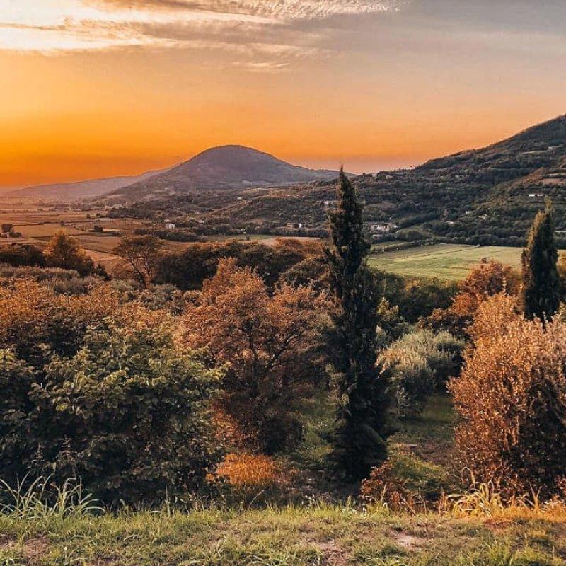 Matteo Simonato punta in alto con La Vallesana: il paradiso dell'aperitivo slow sui Colli Euganei