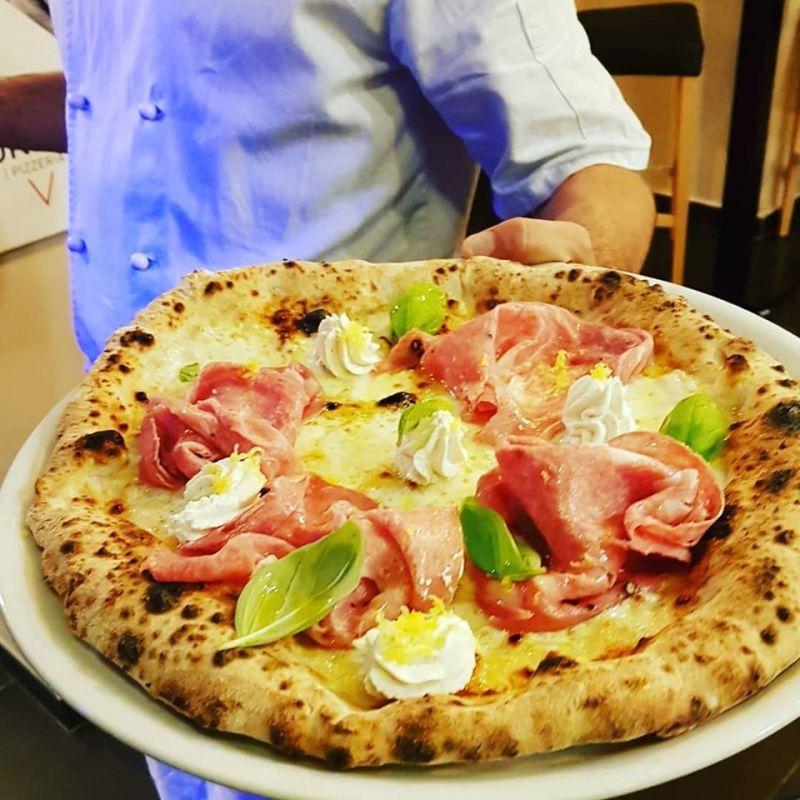Urbis Pizzeria, e all'improvviso la grande pizza napoletana apparve al Pigneto