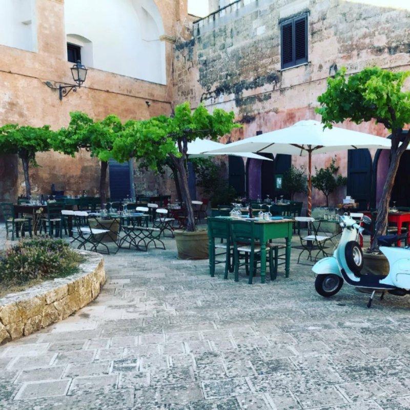 Cenare in piazzetta nei borghi salentini: alla scoperta dei localini più caratteristici