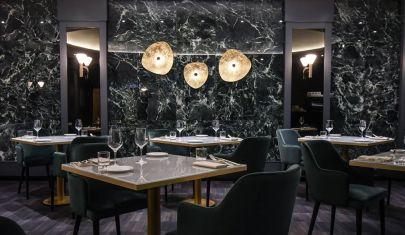 Il ristorante Il Vizio dell'Hotel Sina De La Ville riapre con una doppia anima
