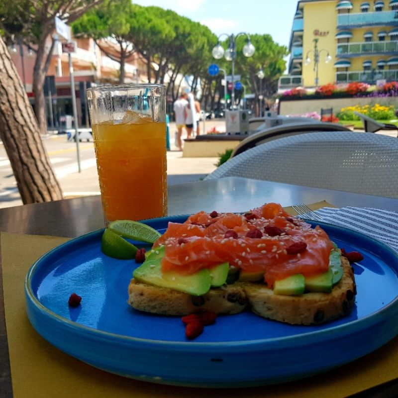 Dall'avocado toast alla Coppa Ricordo: pranzo jesolano alla Gelateria Marina