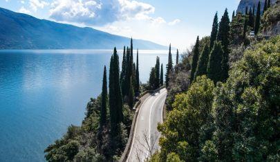 Una giornata al lago di Garda sulla sponda veronese, salta su!