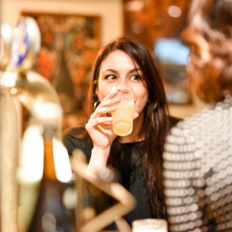 Birra e donne stanno bene insieme: da Hopster Beer Shop a Lecce