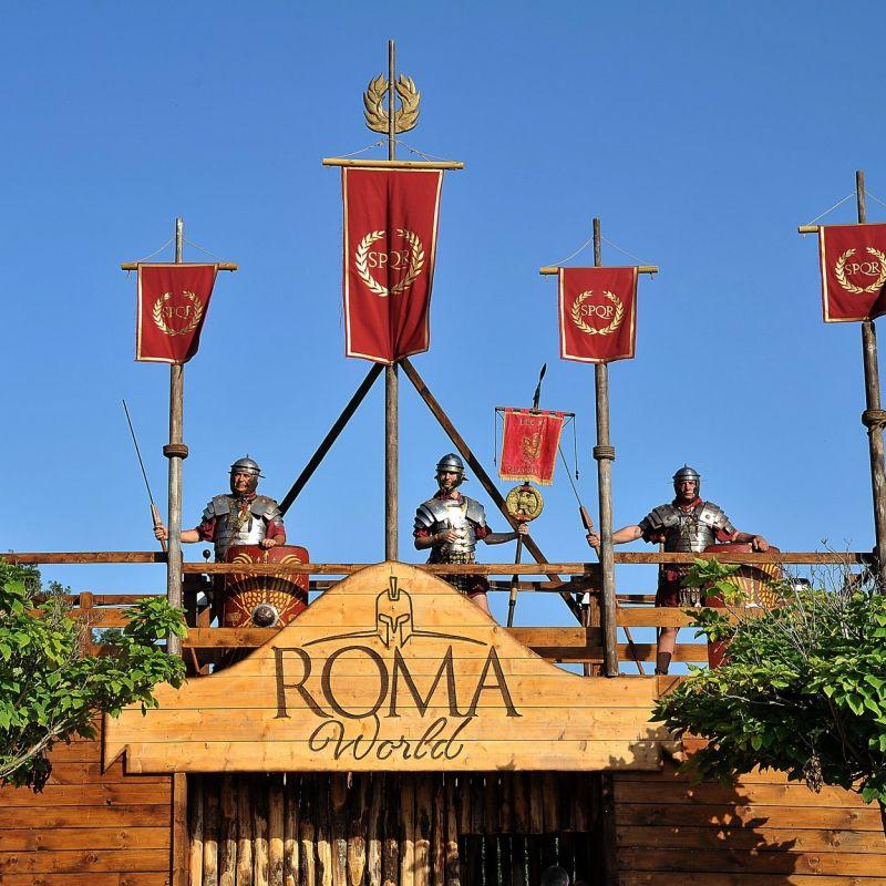 Carichi di ottimismo, apre Roma World, il nuovo Parco divertimenti che porta indietro nel tempo