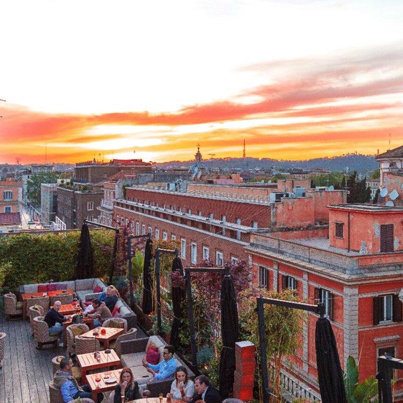 Rooftop bar: aperitivo con vista mozzafiato e (tanta) Dolce Vita