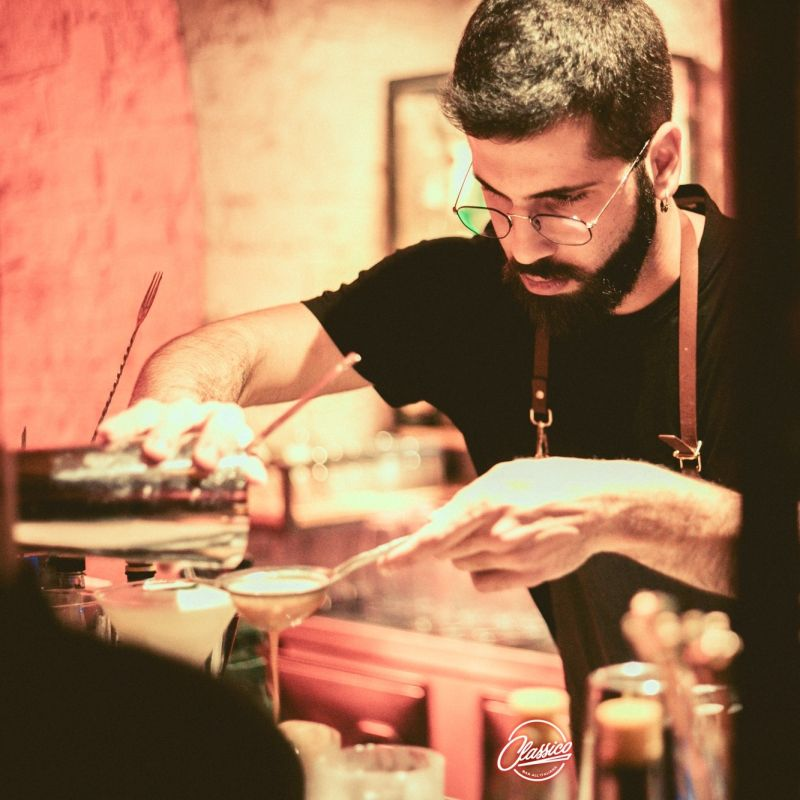 Drink Aperitivo e Whisky Sour - Classico Bar all'Italiana