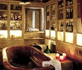 Tutto quello che devi sapere sulla vino-terapia in Italia: 10 location che uniscono enogastronomia e relax