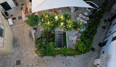 Ultima chiamata per la cena all'aperto: 5 giardini segreti da scoprire a Lecce e provincia