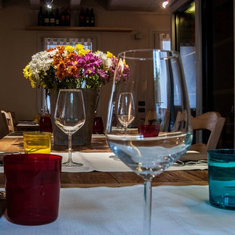 Piccoli, buoni e graziosi: 5 locali di Treviso e provincia con pochi coperti, per mangiare davvero in intimità