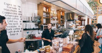 I trucchi psicologici usati dai ristoranti per farti spendere di più