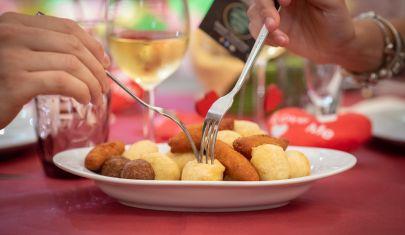 Puglia zona gialla: via libera al pranzo al ristorante, ecco dove a Lecce