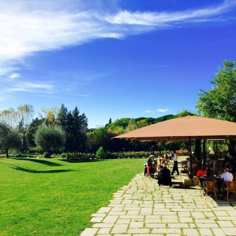 Aria fresca e niente baraonda. 5 locali fiorentini per mangiare all'aperto fuori dai circuiti turistici