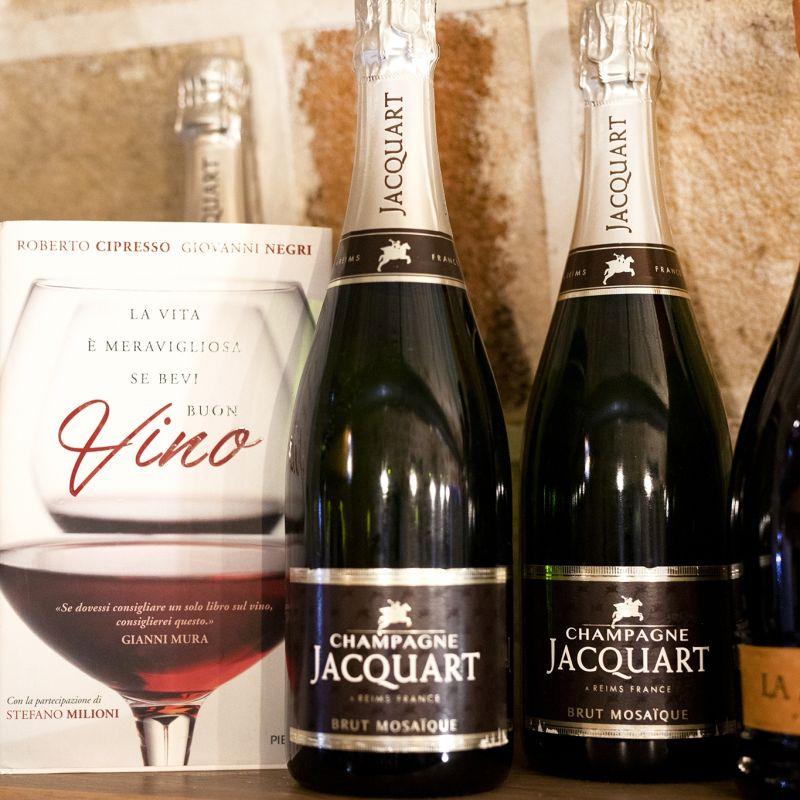 A Copertino, questo Natale, lo champagne arriva col delivery (e scontato)