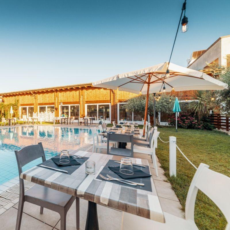 Cena a bordo piscina: perché in questi locali di Roma l'estate ha un altro sapore