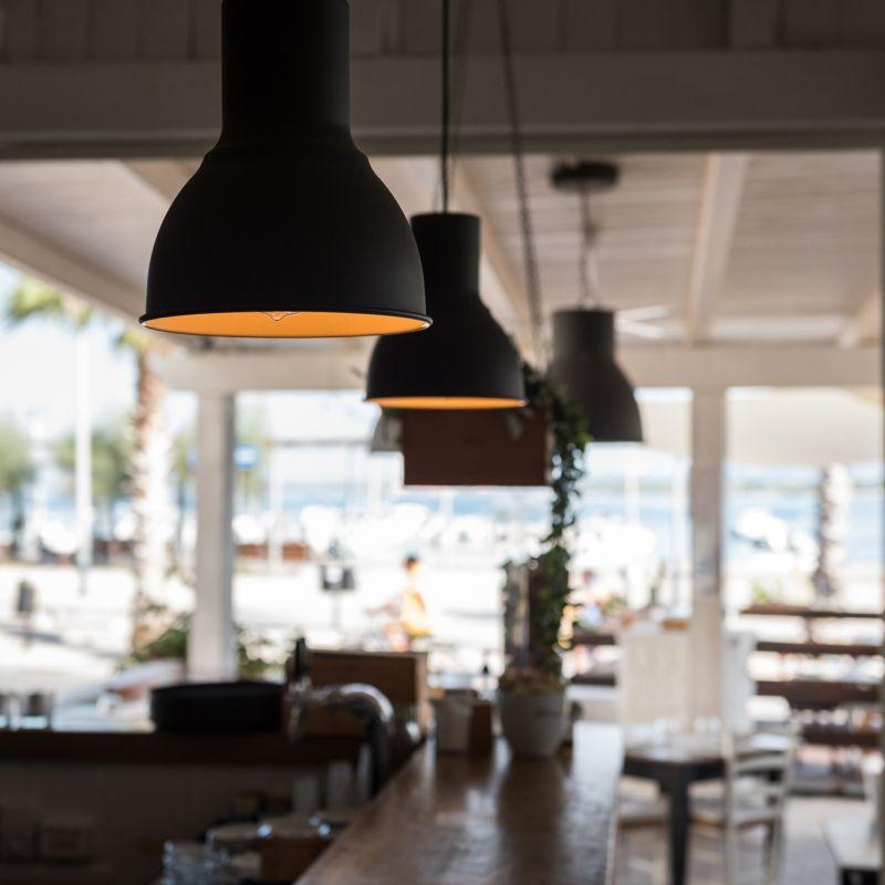 L'estate non è ancora finita se andiamo a mangiare in riva al mare a Torre Canne o giù di lì