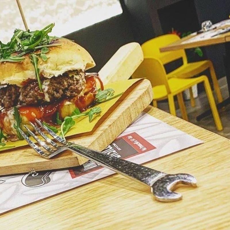 Hamburger con pane fatto in casa - Officina di Soal