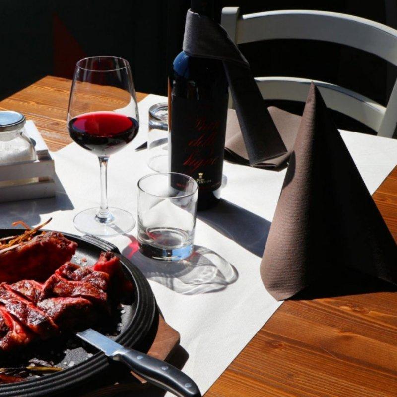 La miglior carne alla griglia del Lago di Garda: 5+1 locali dove toglierti ogni voglia