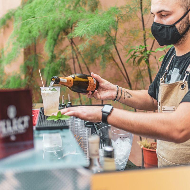 5 idee per un aperitivo in isola scansando (per una volta) i bacari. Siamo veneziani, oltre all'ombra c'è di più!