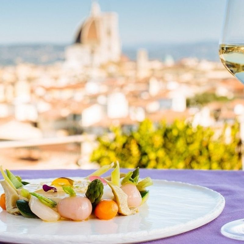 """Il pranzo è la nuova cena: l'Italia """"gialla"""" torna ai numeri pre-pandemia"""