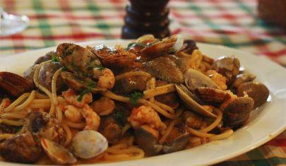 """Hai per caso detto """"cena di pesce""""? 8 locali di Mestre e dintorni che fanno invidia a tutta Venezia"""
