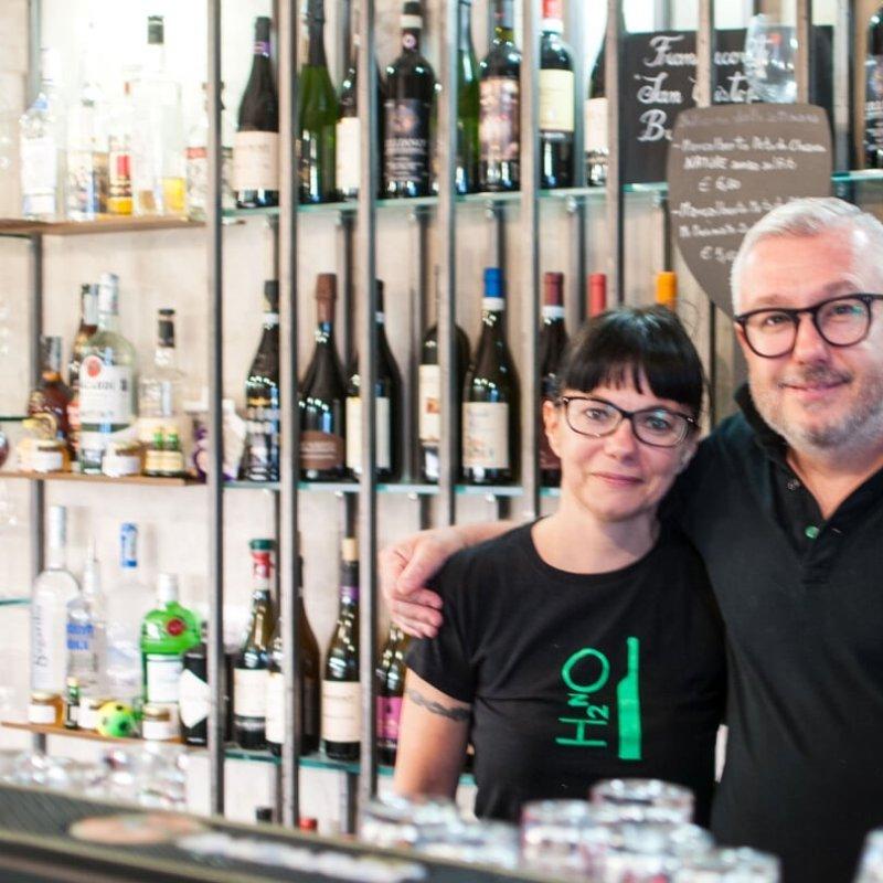 Davide e Mariangela e l'arte della birra da H2 NO