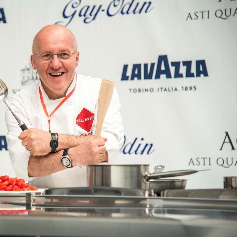 """Conosciamo meglio Umberto Vezzoli, lo chef """"viaggiatore"""" che ha portato al Da Florence, a Firenze, la sua filosofia di cucina"""
