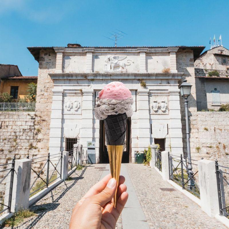 Brescia e l'arte del gelato artigianale: tutto quello che devi assaggiare