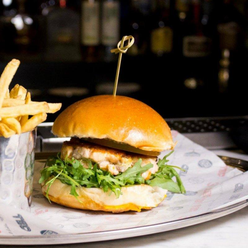 Non solo di carne vive l'uomo: i migliori fishburger di Roma