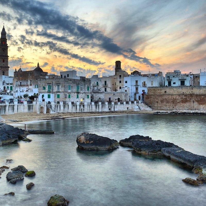 I locali da conoscere per un aperitivo a Monopoli, Polignano, Mola di Bari e Torre a Mare