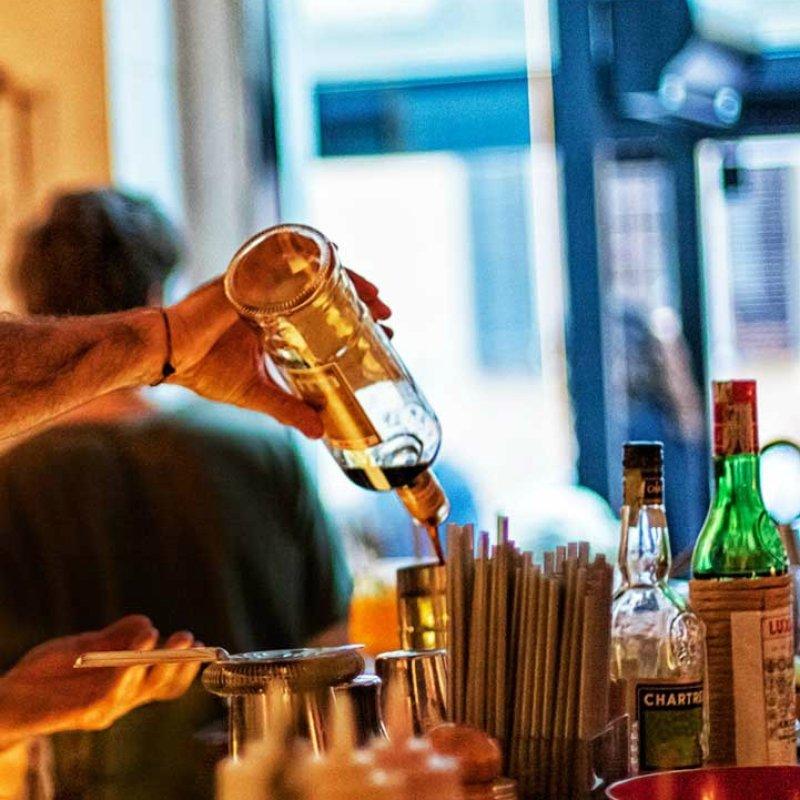 Il gin e le ginerie sono ovunque. La guida alle migliori, per i veri intenditori
