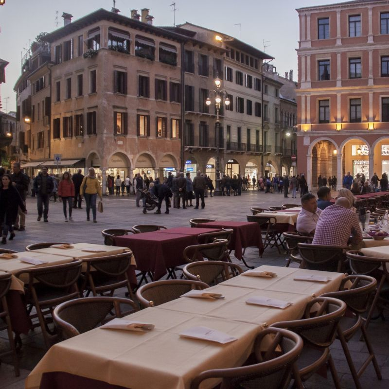 Guai a chi mi tocca la cena da centrina anche in quarantena, è il bello di Treviso!