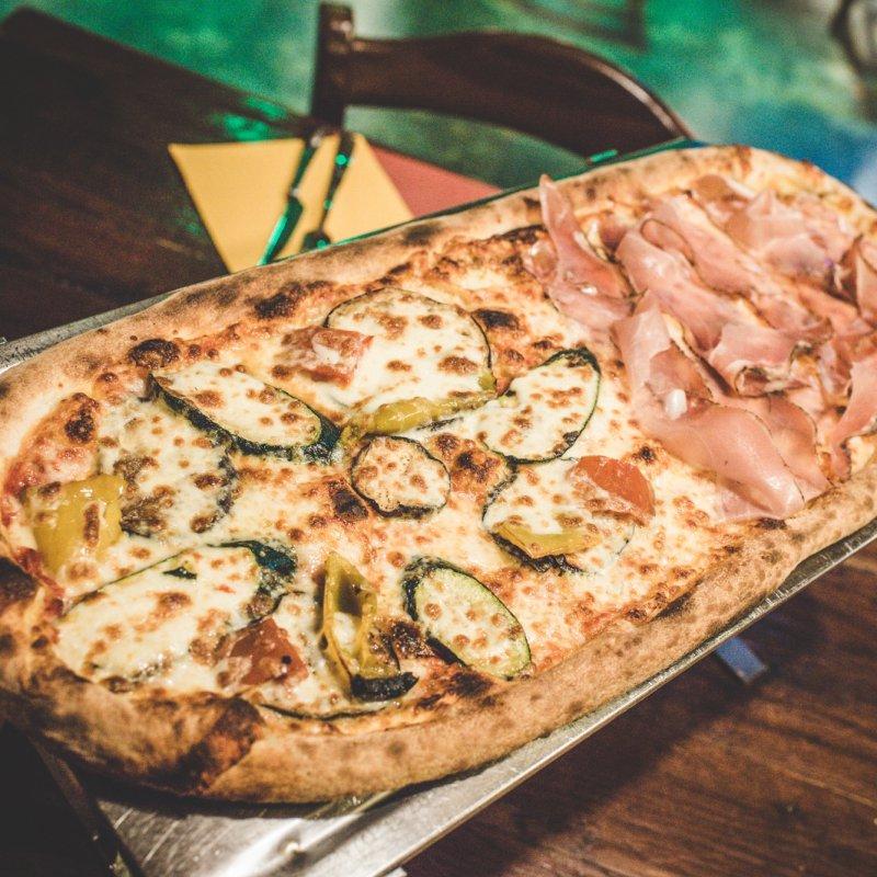 Quando la fame è smisurata ci vuole una pizza al metro: Mestre e le misure importanti