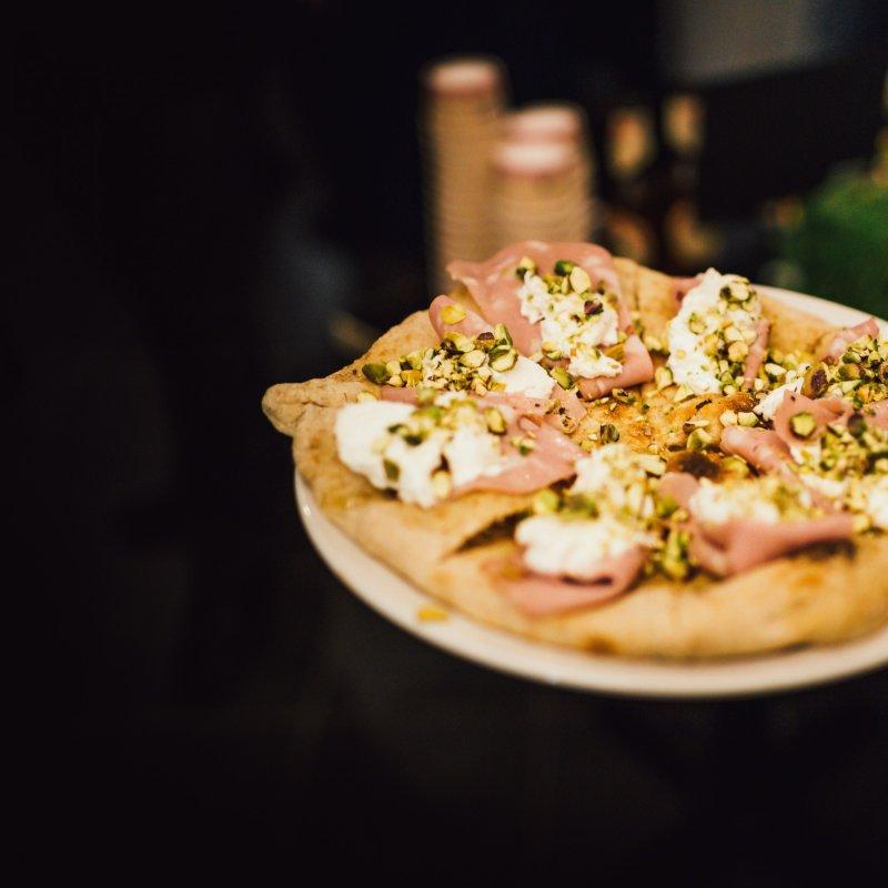 Pizza con vista. Quando la Città dei Sassi regala attimi di felicità pura