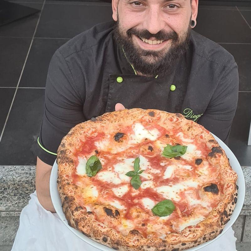 """Diego Porfiri di Urbis Pizzeria, """"La pizza a Roma? Non è una battaglia tra alta e bassa, ma tra buona e cattiva qualità"""""""