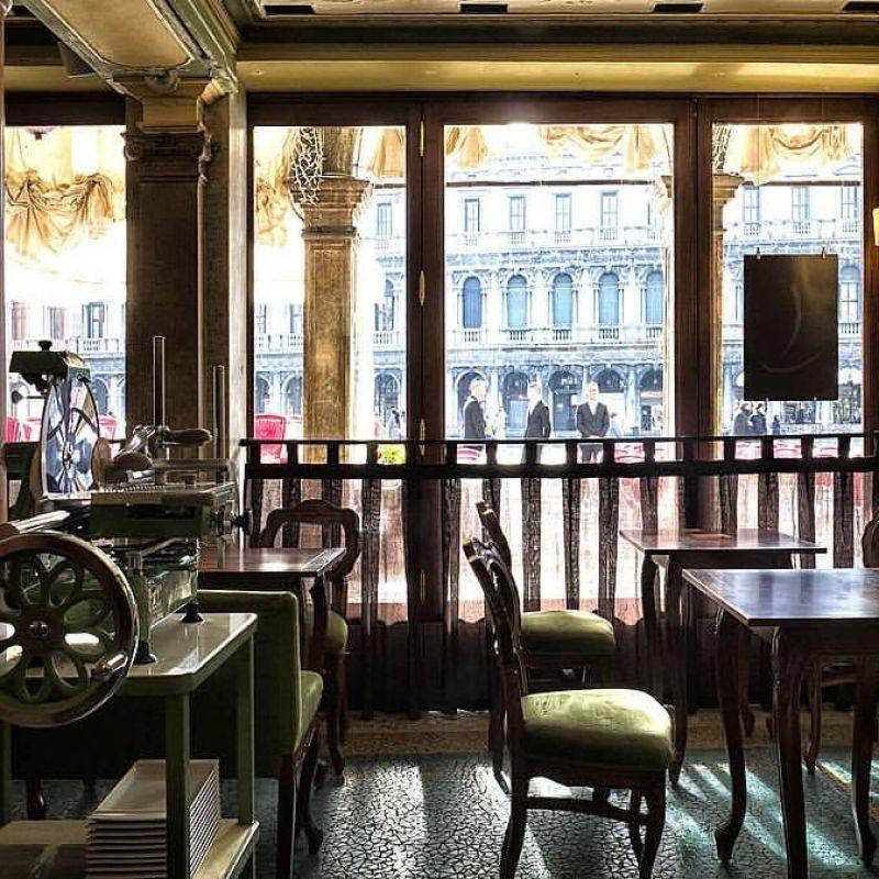 Il grido d'allarme dei caffè storici italiani