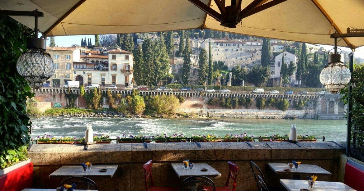 L Aperitivo Mozzafiato A Verona