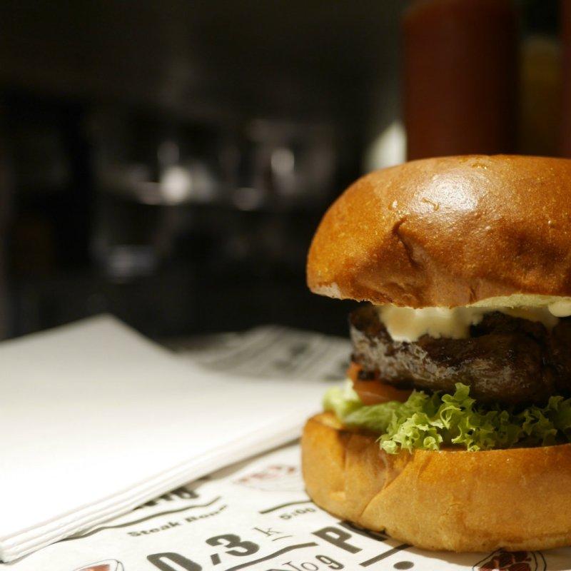 Birra, hamburger e partita: i pub di Milano per l'immancabile serata tra amici