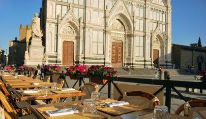 Firenze gran signora. Perché mangiare in piazza ha sempre il suo fascino
