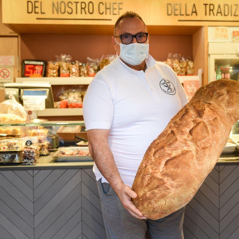Luciano de La Fonte del Pane ha la sua ricetta: passione, umiltà e fiumi di pane cucinato come una volta