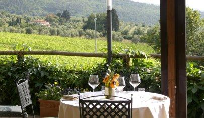 Quiete, un buon rosso e tempi lunghi: la cena fuori Firenze