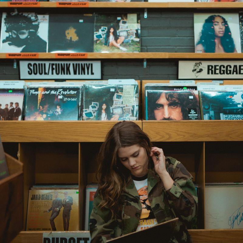 Smartworking e Spotify h24: perché riascoltare le 10 canzoni più belle di sempre