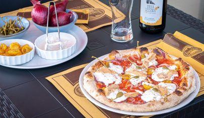 La pizza è buona se ha l'impasto antico e il topping iperlocal, a Fumane c'è una pizzeria che lo fa