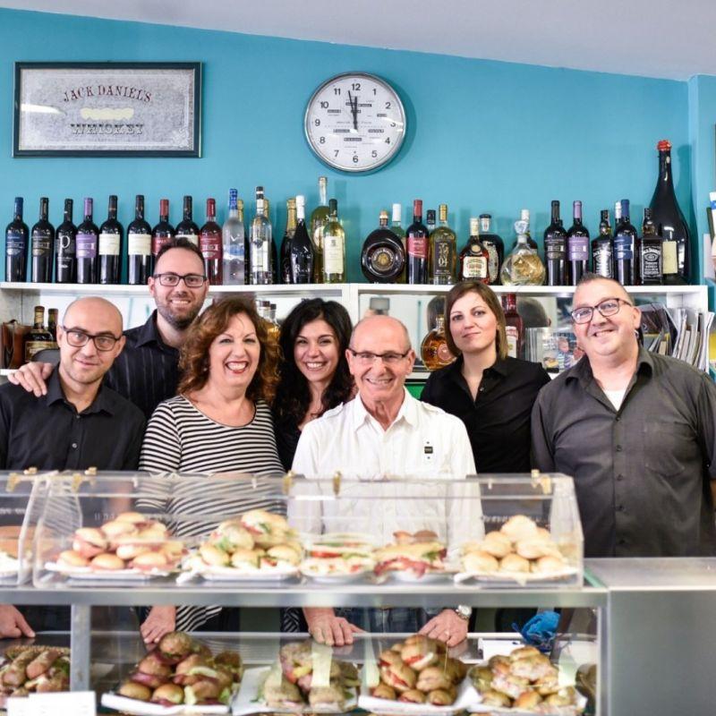 L'aperitivo che ha inventato l'happy hour a Lecce festeggia 40 anni di successi