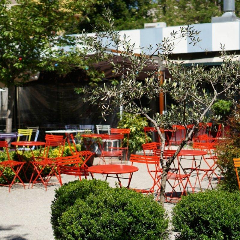 C'è posto fuori? 5 ristoranti di Roma con giardini e dehors ideali per l'estate
